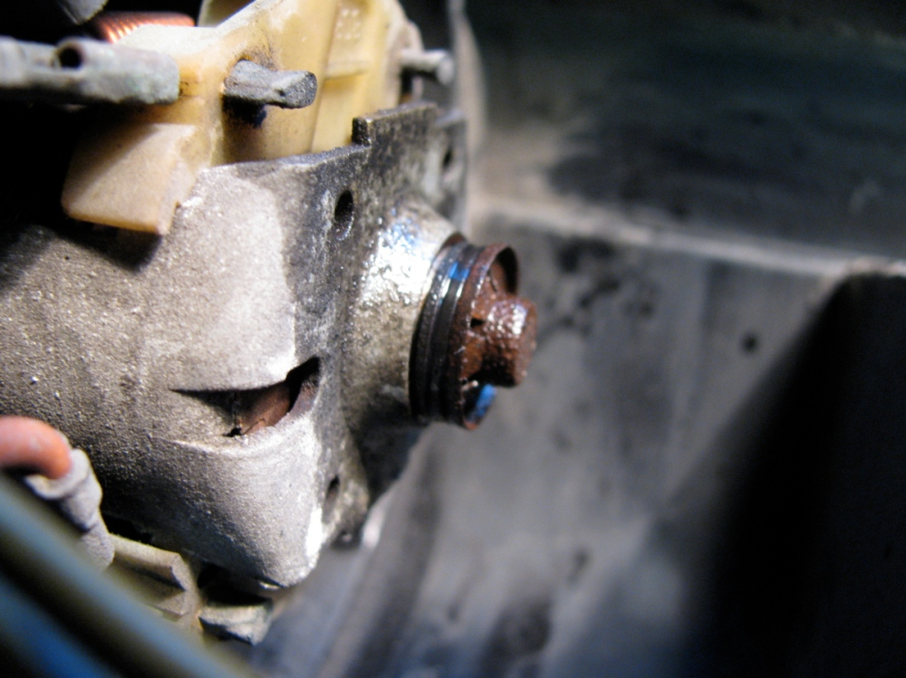 Vanagon dash removal, pedal assembly repair, and heater core flush (5/6)