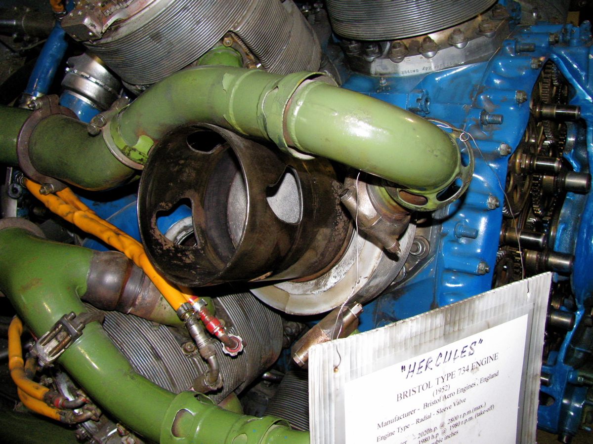 Img on Bristol Centaurus Sleeve Valve Engine