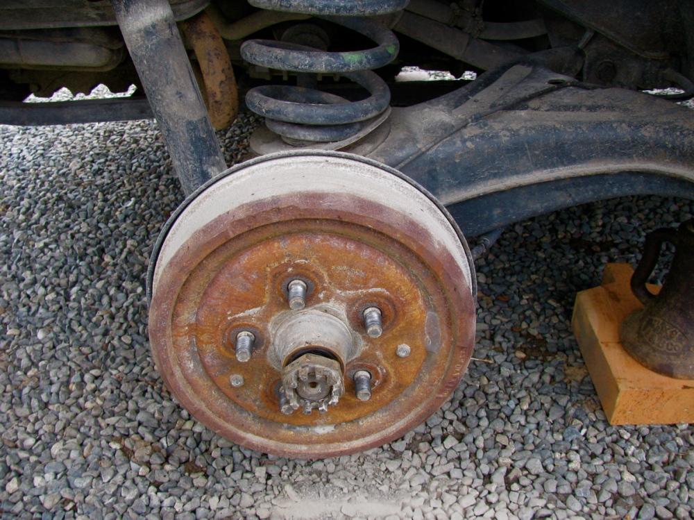 Vanagon rear wheel bearing replacement (4/6)