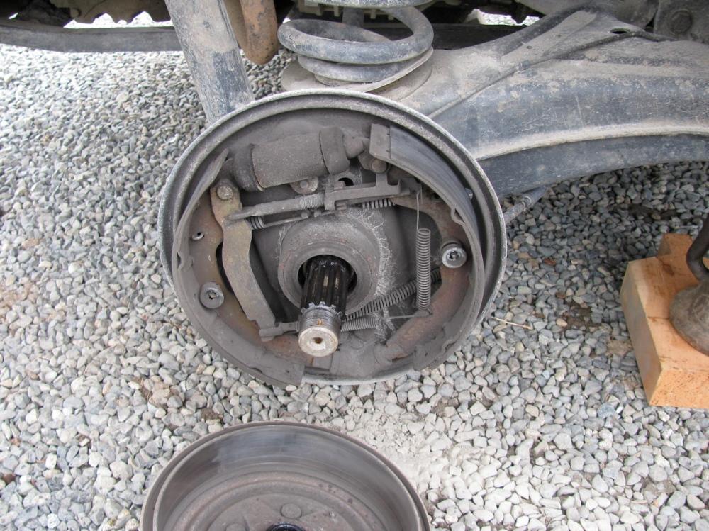 Vanagon rear wheel bearing replacement (5/6)