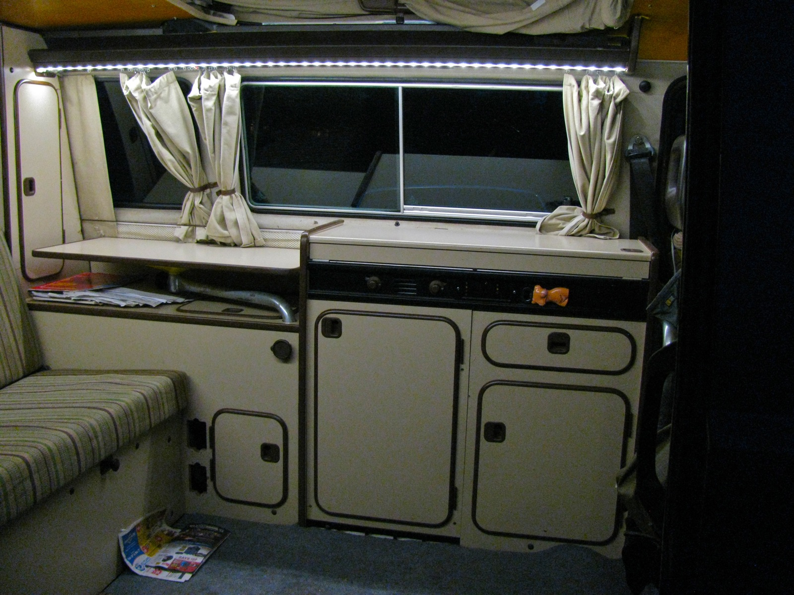 Vanagon interior lighting with led shooftie for Interior westfalia